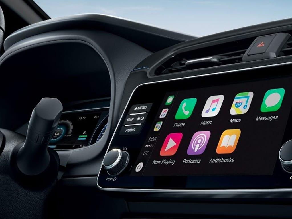 Nissan Leaf con pantalla táctil