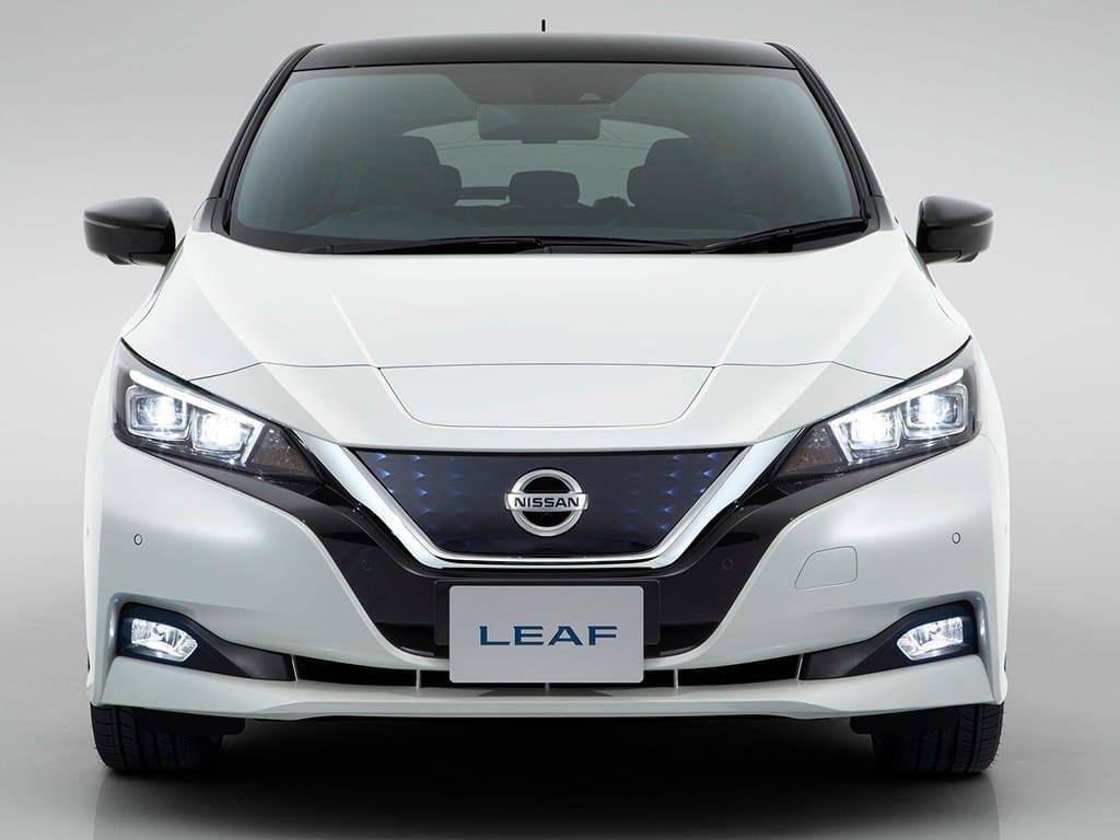 Parte delantrea del Nissan Leaf