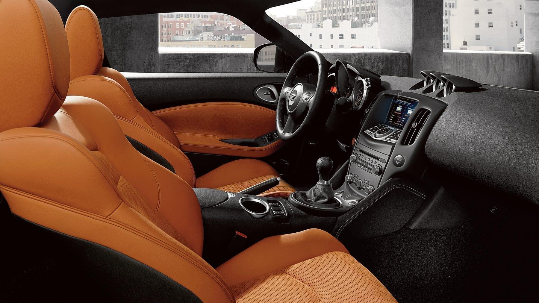 Diseño Interior y medidas del Nissan 370z
