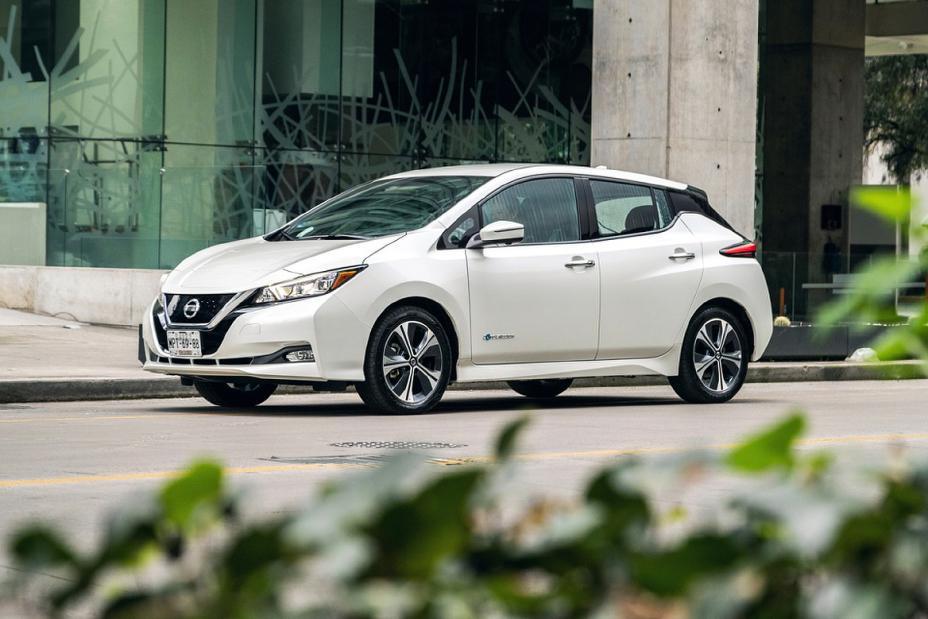 Nissan Leaf Tekna con faros led